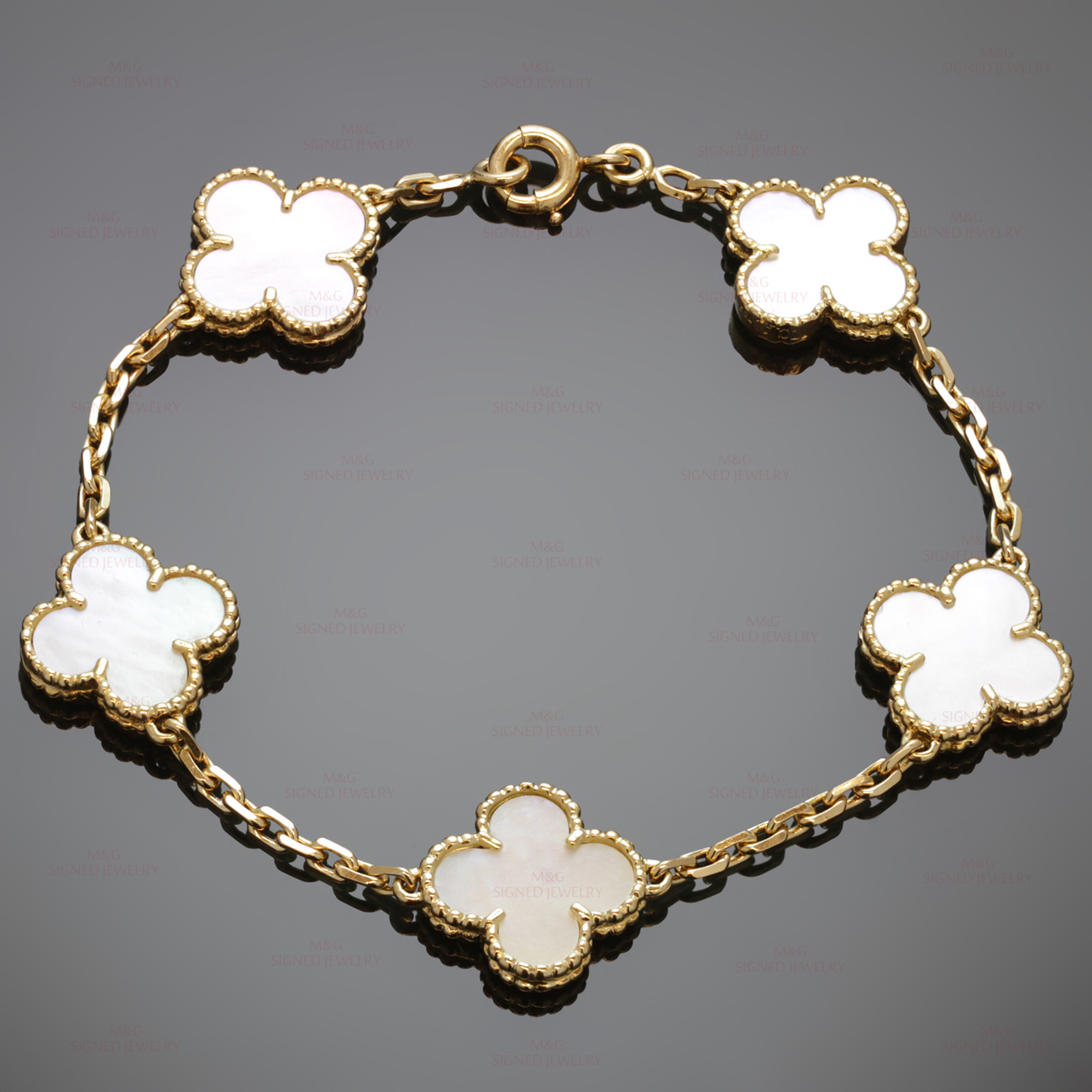 arpels motifs jewelry van worn vintage bracelet view alhambra cleef en collections eu