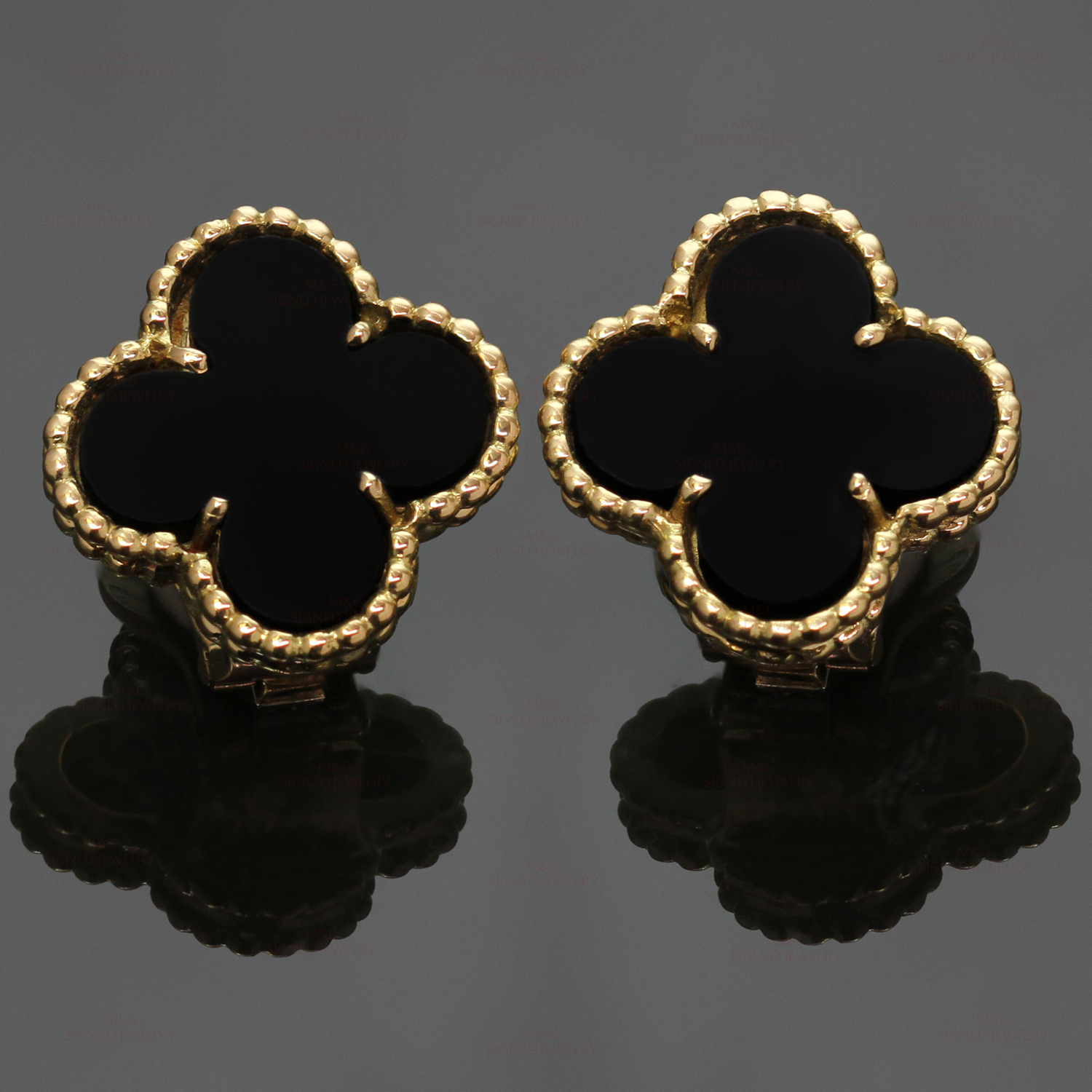de9a96d29702 VAN CLEEF   ARPELS Vintage Alhambra Black Onyx Yellow Gold Earrings