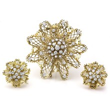 VAN CLEEF & ARPELS Dentelle Diamond 18k Yellow Gold Flower Brooch & Earrings