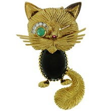 VAN CLEEF & ARPELS Chat Malicieux Diamond Emerald Onyx Yellow Gold Winking Cat Brooch 1950s