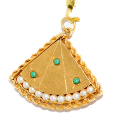 Turquoise Pearl 18k Yellow Gold Fan Locket