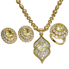 VAN CLEEF & ARPELS Lucille Ball's 18k Yellow Gold Jewelry Set