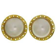 Mother-Of-Pearl 18k Yellow Gold Greek Pattern Button Earrings