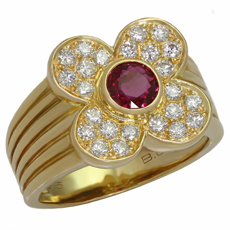 VAN CLEEF & ARPELS 4 Leaf Clover Genuine Ruby Diamond 18k Yellow Gold Ring