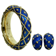 TIFFANY & CO. SCHLUMBERGER Dot Losange Blue Enamel Yellow Gold Bangle Bracelet & Earrings Set