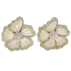 Diamond Mother-of-Pearl 18k White Gold Flower Earrings