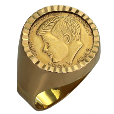 Vintage 1960s JOHN F. KENNEDY 18k Yellow Gold Signet Ring