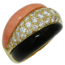 VAN CLEEF & ARPELS Coral Onyx Diamond 18k Yellow Gold Ring