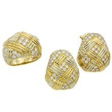 VAN CLEEF & ARPELS Diamond 18k Yellow Gold Ring & Earrings Set