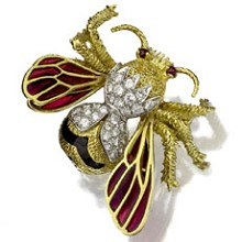 TIFFANY & CO. Hand-Crafted Diamond Ruby Enamel 18k Yellow Gold Bee Pin Brooch