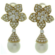 VAN CLEEF & ARPELS Diamond Pearl 18k Yellow Gold Clip-on Flower Earrings