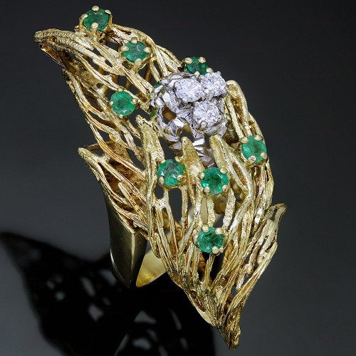 Retro Italian Diamond Emerald 18k Yellow Gold Ring 1960s