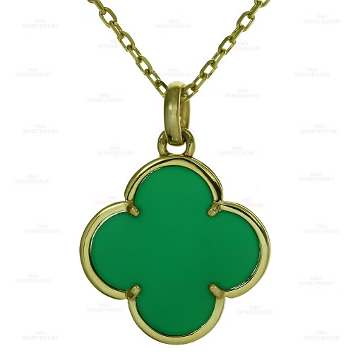 VAN CLEEF & ARPELS Magic Alhambra Green Chalcedony Yellow Gold Pendant Necklace